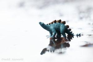 Stego in the puddle - @teddi_toyworld